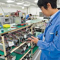 山口佐山工場の蓄電システム生産。