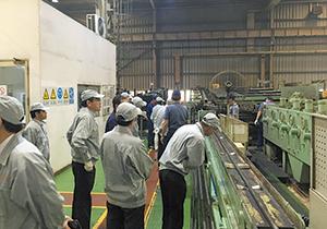 旭鋼管工業の生産現場
