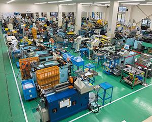 新潟工場構内の様子。タイ、ベトナムから実習生を受け 入れており、約4人に1人が外国人。