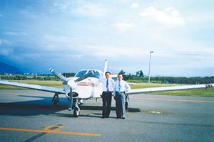 夢だったパイロットの免許を取得して初めて購入したセスナ 機「サラトガ」。